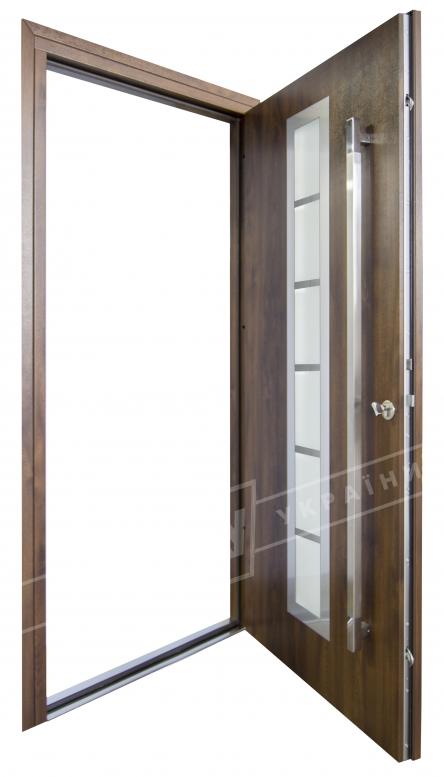 """Двери входные уличные серии """"GRAND HOUSE 73 mm"""" / Модель №2 / цвет: Тёмный орех / Ручка-скоба [2 стороны]"""