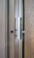 """Двери входные уличные серии """"GRAND HOUSE 73 mm"""" / Модель №1 / цвет: Тёмный орех / Ручка-скоба [2 стороны]"""