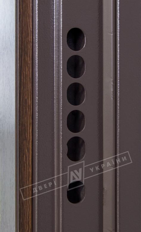 Двери входные серии БС / Комплектация №4 [MOTTURA] / АККОРД / Венге южное МВР 1998-10