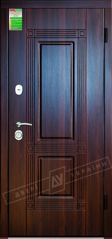 """Двері вхідні внутрішні""""Білоруський стандарт 2/1""""2040*880мм,""""Гектор"""" горіх темний МВР 68Т.Арт.,праві"""