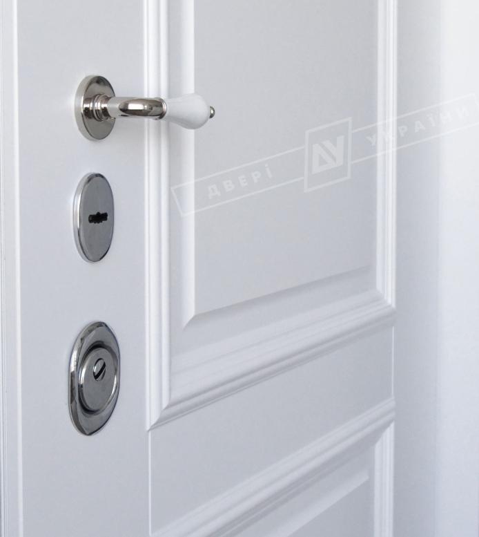 Двери входные серии ИНТЕР / Комплектация №1 [KALE] / ВЕРСАЛЬ 2 / Белый супермат WHITE_02
